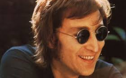 John Lennon: Antara Winston Churchill, Elvis Presley dan The Quarrymen (II)