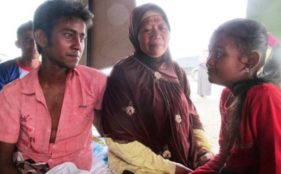 Acehnese Woman Wants to Adopt Wounded Bangladeshi Migrant