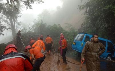 Pemprov Jabar Tetapkan Status Siaga 1 Bencana Banjir dan Longsor