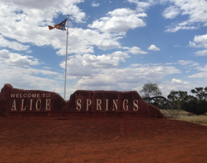 Dina's diary: Learning language in Alice Springs