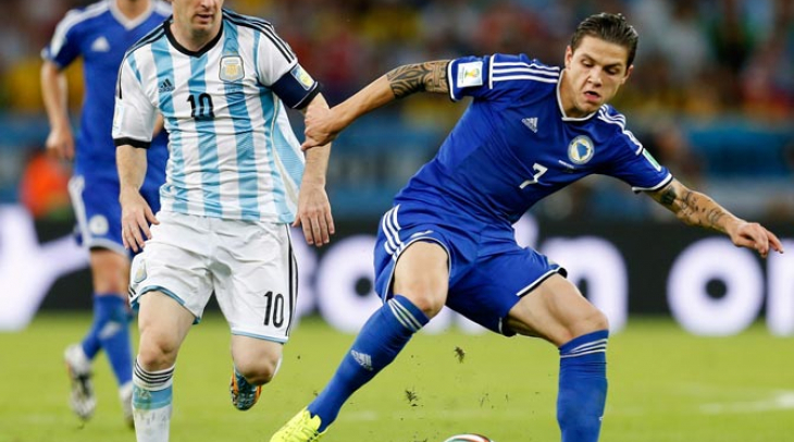 Everton Kontrak Muhamed Besic Lima Tahun