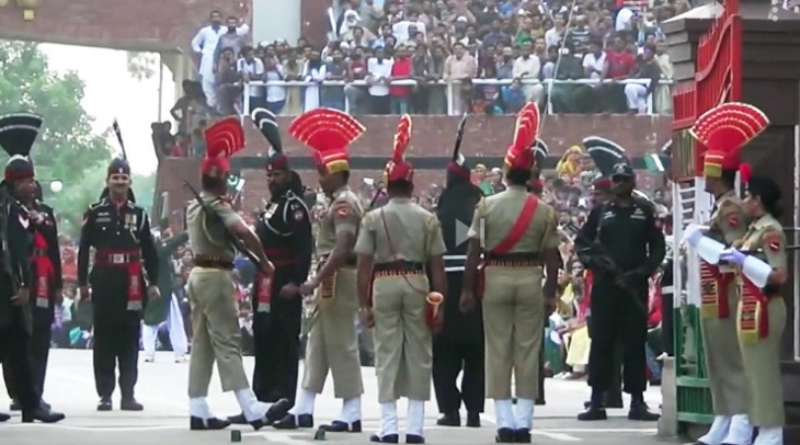 Beating the retreat ceremony in India Pakistan border. (Photo: Bismillah Geelani)