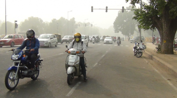 Toxic smog chokes Delhi as pollution levels escalate (Photo: Bismillah Geelani)