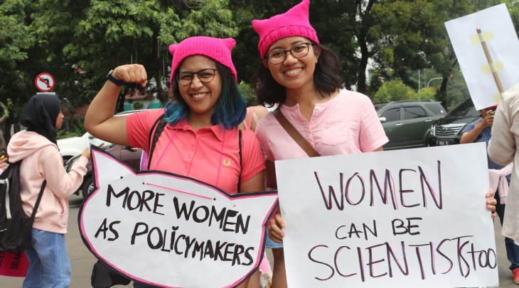 Andrea Andjaringtyas Adhi and Dwitri Amalia knitted their own pussy hats for Women's March Jakarta,