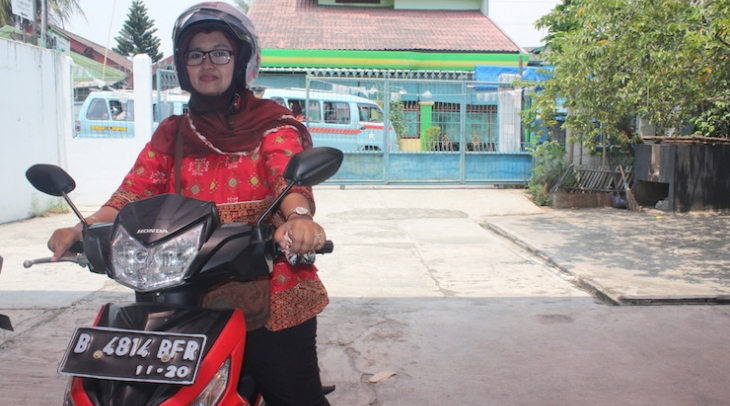 Susi Susilawati is a nurse at NGO Rachel House. She makes home visits to the families of children wi