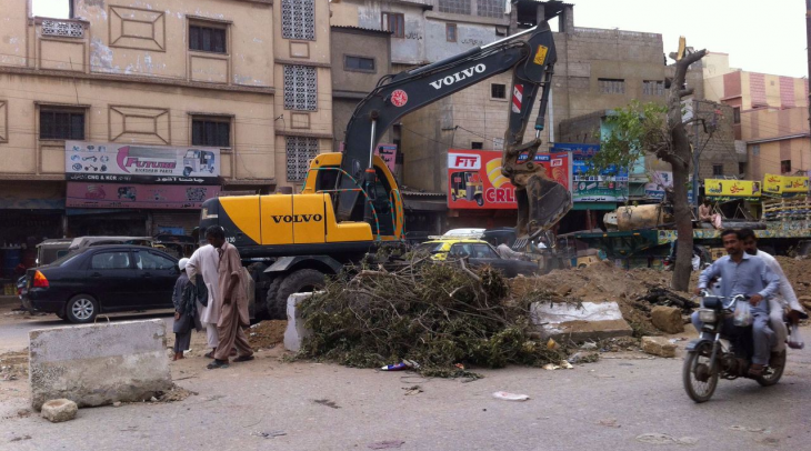 Trees are being cut down to make way for new bus service in Karachi, ironically named the Green Line