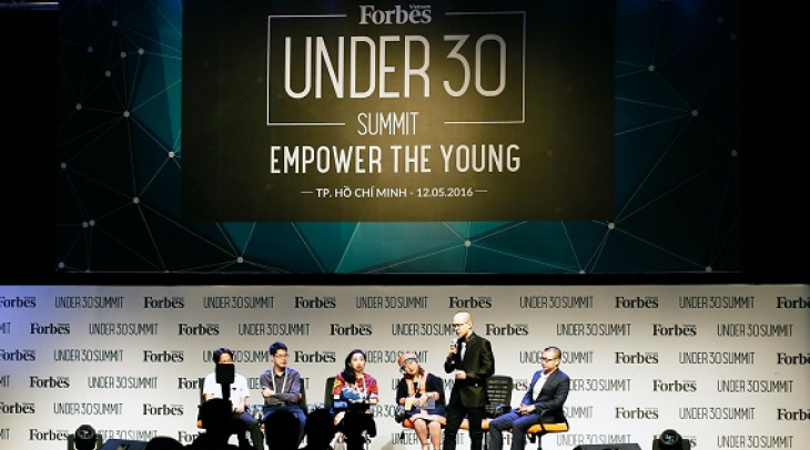 Panel on 30 under 30. (Photo: Courtesy of Forbes Vietnam)