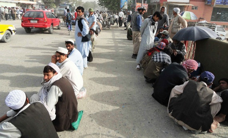 Afghan laborers waiting for job in Kabul street. (Photo: Ghayor Waziri)