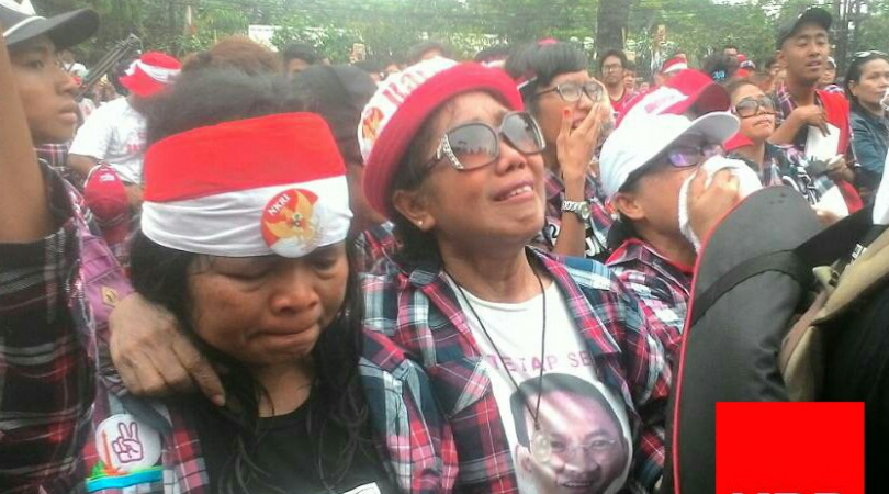 Ahok supporters rally in Jakarta and cities all over Indonesia after the Governor was jailed. (Photo