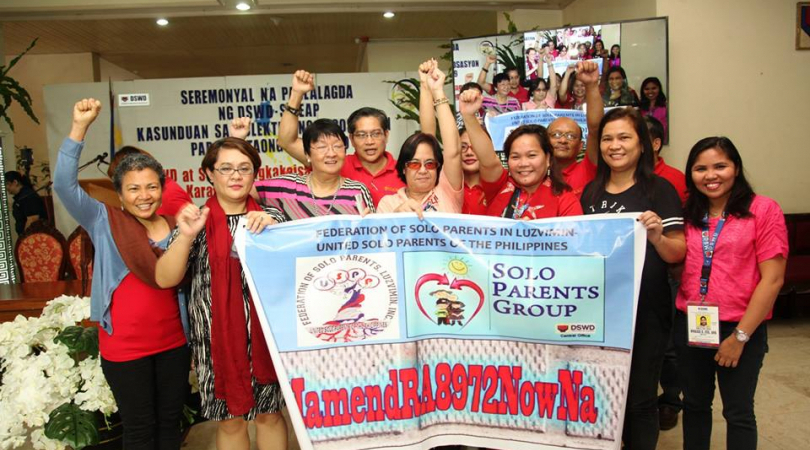 Single parents fight for support in the Philippines. (Photo: Federation of Solo Parents in LUZVIMIN)